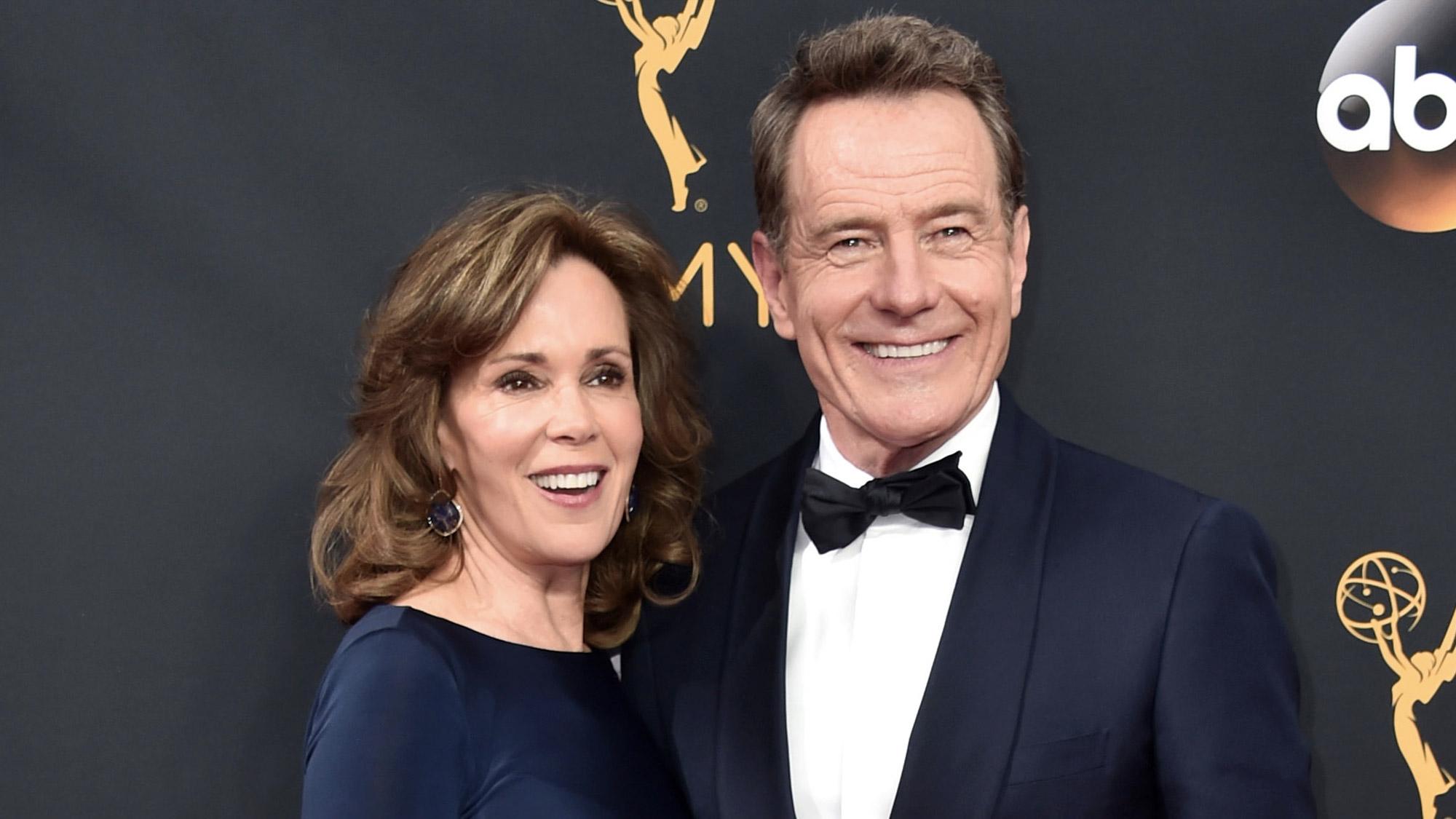 Robin Dearden et Bryan Cranston aux Emmy Awards 2016.