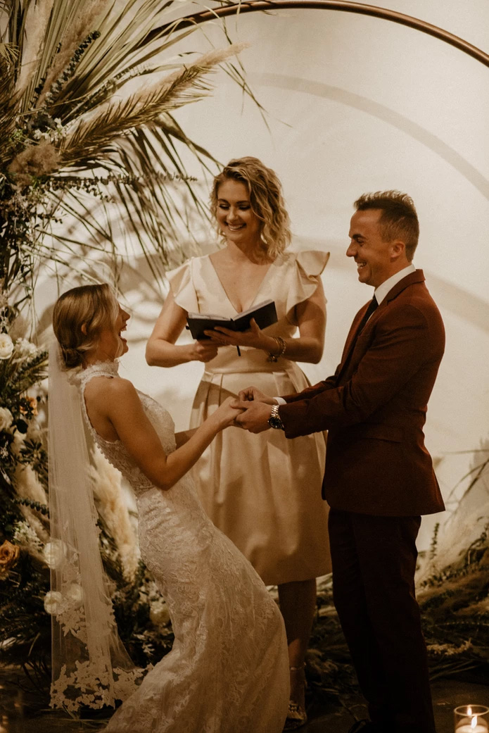 Paige Price et Frankie Muniz lors de leur mariage, le 21 février 2020.