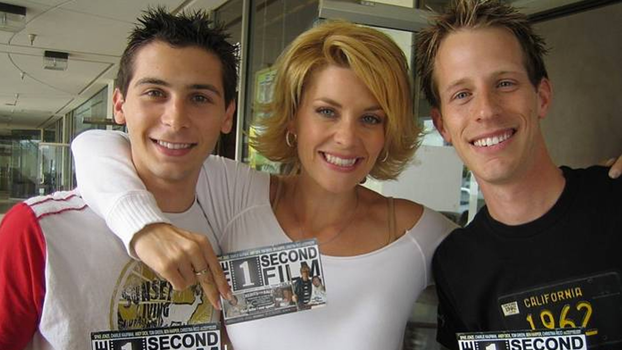 Justin Berfield (Reese), McKenzie Westmore et Jason Felts soutiennent le projet The 1 Second Film, le 26 avril 2005.