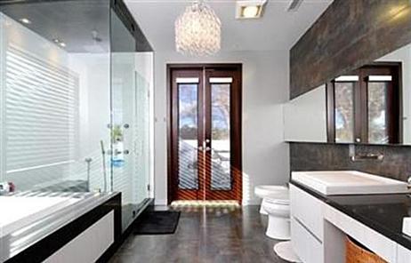 La nouvelle maison située au 12334 Cantura Street à Studio City, au nord de Los Angeles.