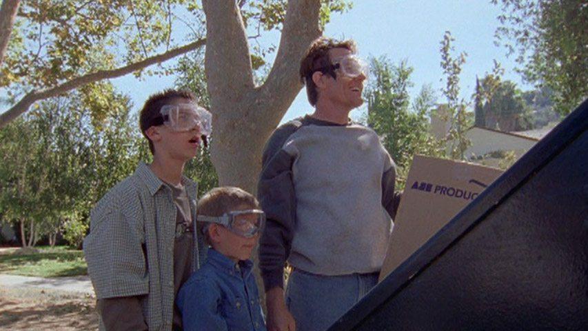 Justin Berfield (Reese), Erik Per Sullivan (Dewey) et Bryan Cranston (Hal), dans