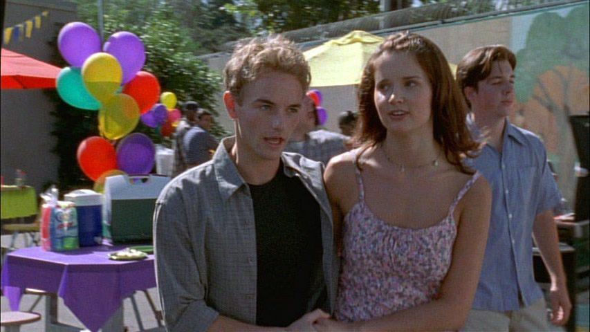 Christopher Masterson (Francis) et Katherine Ellis (Jody) dans