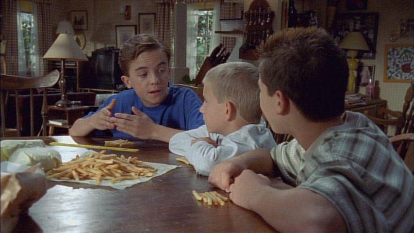 Frankie Muniz (Malcolm, Erik Per Sullivan (Dewey) et Justin Berfield (Reese) dans