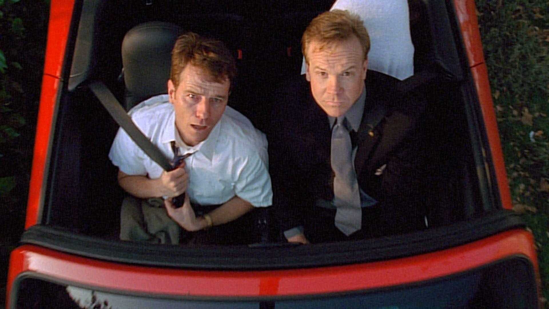 Bryan Cranston (Hal) et Peter Mackenzie (Terry) dans