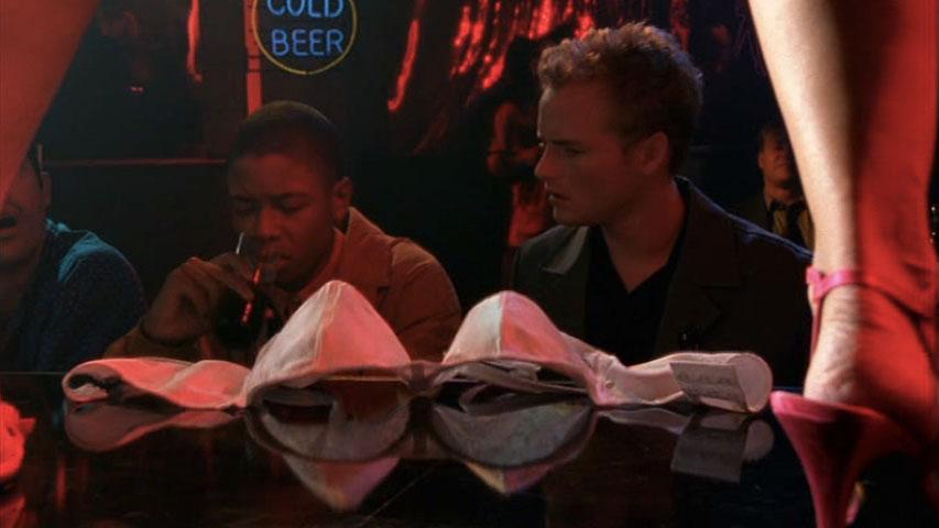 Arjay Smith (Ken Finley) et Christopher Masterson (Francis) dans