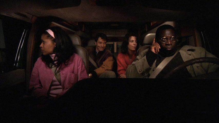 Merrin Dungey (Kitty Kenarban), Bryan Cranston (Hal), Jane Kaczmarek (Lois) et Gary Anthony Williams (Abe Kenarban) dans
