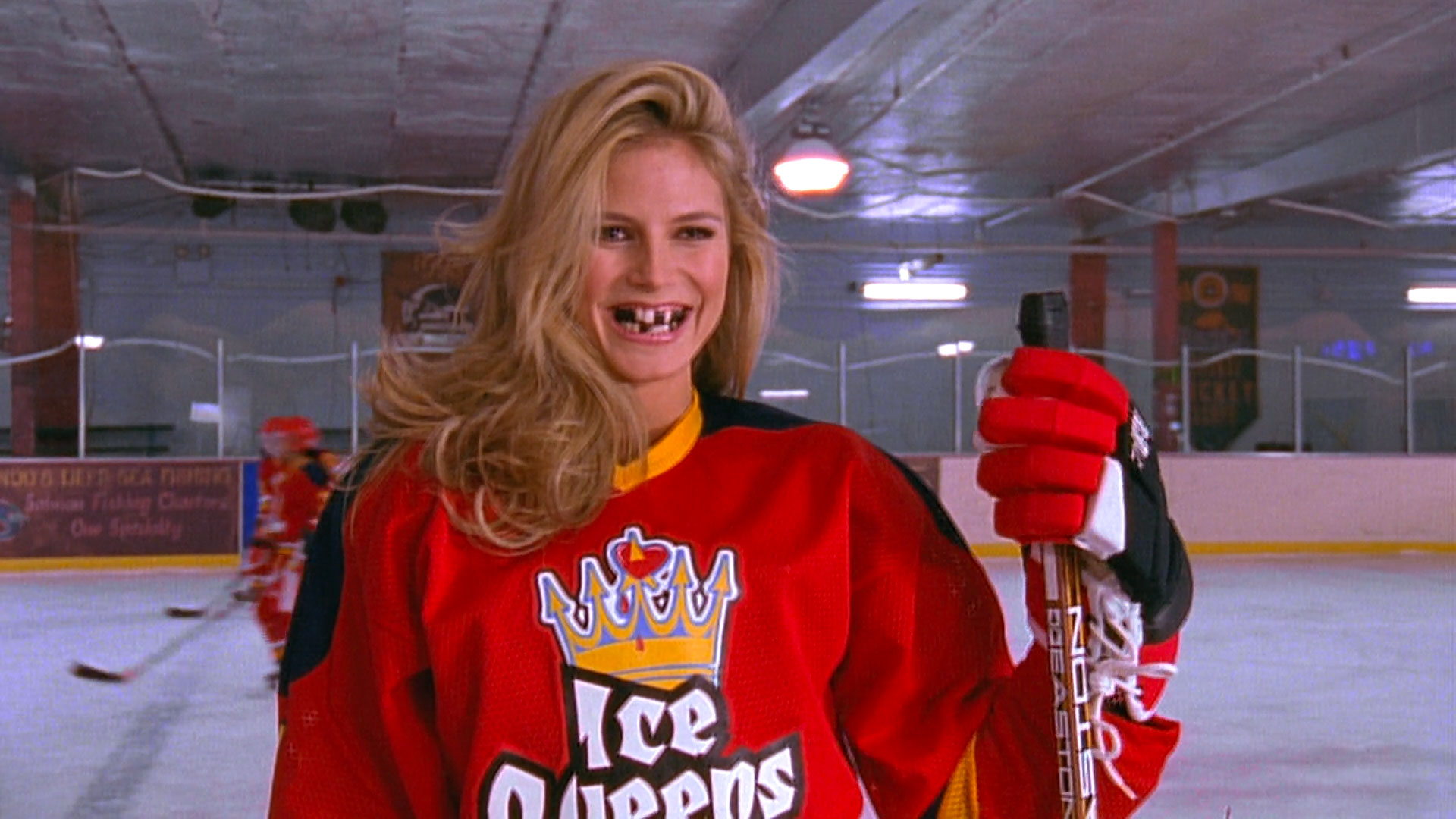 Heidi Klum (joueuse de hockey édentée) dans