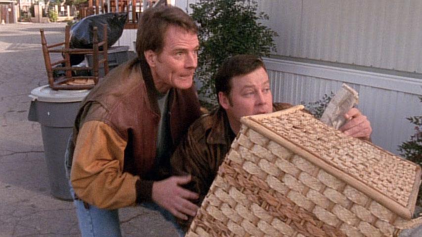 Bryan Cranston (Hal) et Joel Murray (Larry) dans