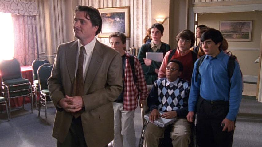 Chris Eigeman (Lionel Herkabe), Frankie Muniz (Malcolm), Victor Z. Isaac (Kevin), Craig Lamar Traylor (Stevie Kenarban), Kyle Sullivan (Dabney Hooper) et Evan Matthew Cohen (Lloyd) dans