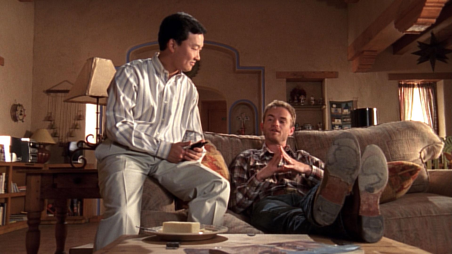 Eddie Shin (Jordan) et Christopher Masterson (Francis) dans