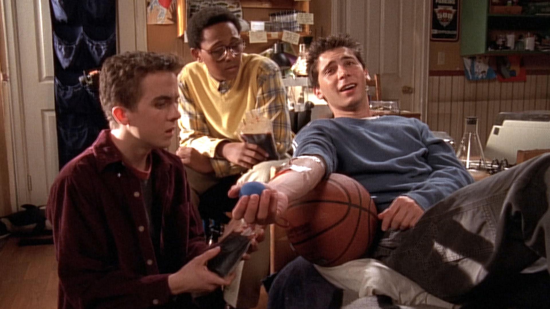 Frankie Muniz (Malcolm), Craig Lamar Traylor (Stevie Kenarban) et Justin Berfield (Reese) dans