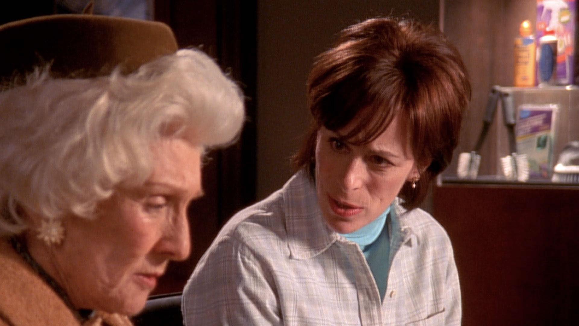 Cloris Leachman (Ida) et Jane Kaczmarek (Lois) dans