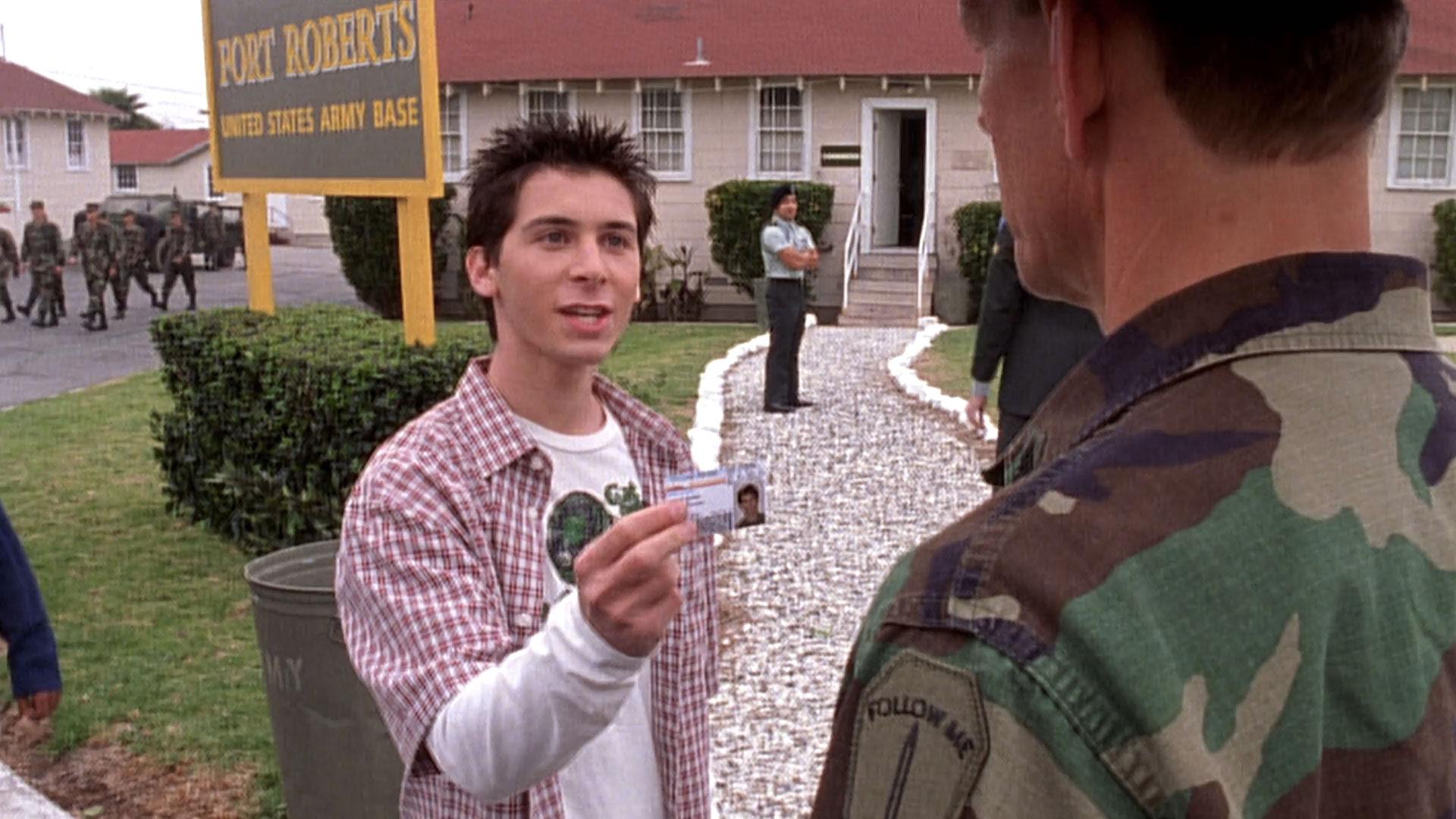 Justin Berfield (Reese) et Steve Rankin (sergent Hendrix) dans