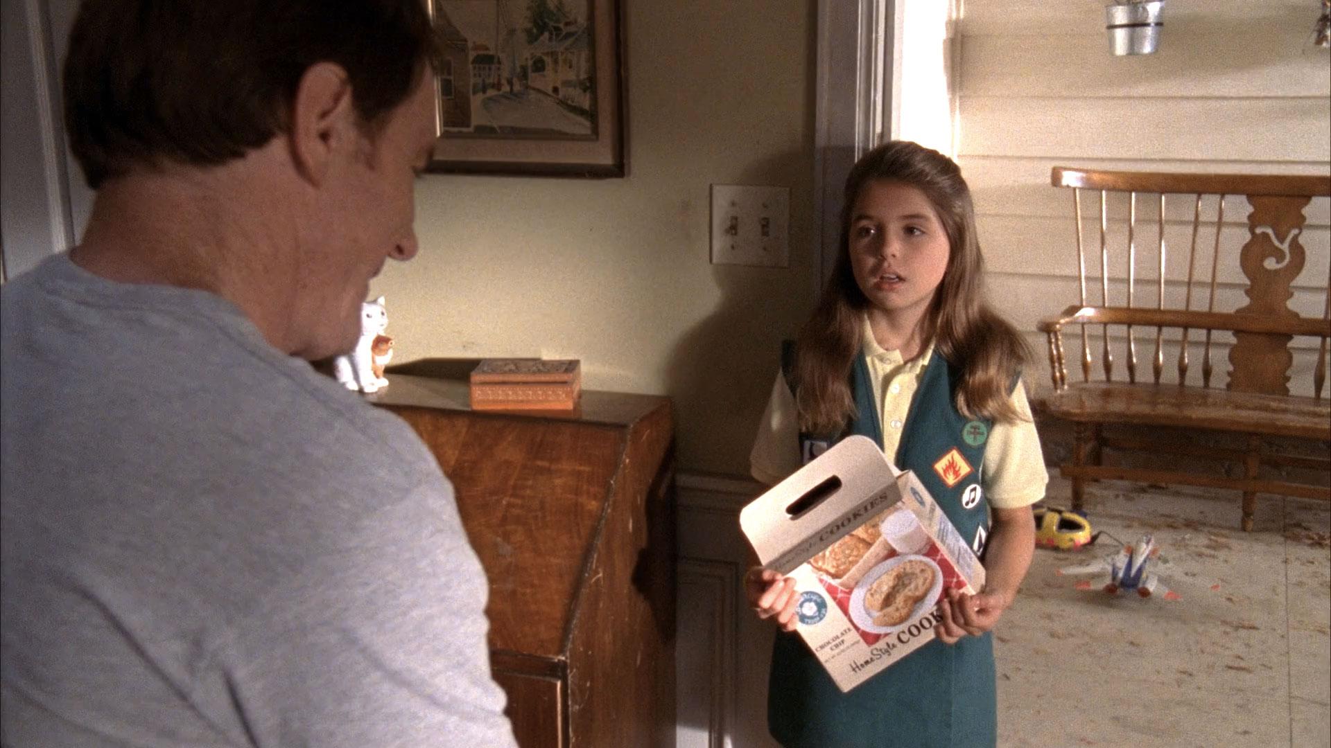 Bryan Cranston (Hal) et Emma Lockhart (scout) dans