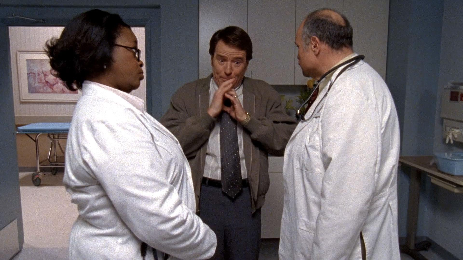 Davenia McFadden (Dr. Samson), Bryan Cranston (Hal) et Michael McShane (Dr. Phelps) dans