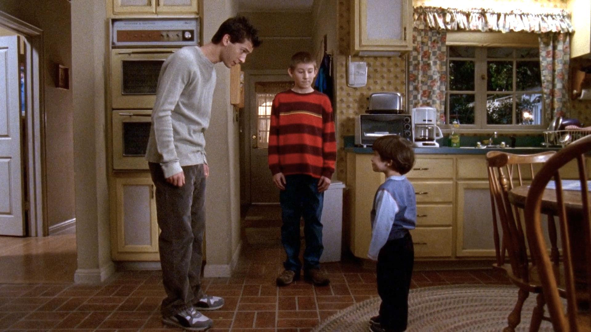 Justin Berfield (Reese), Erik Per Sullivan (Dewey) et James & Lukas Rodriguez (Jamie) dans